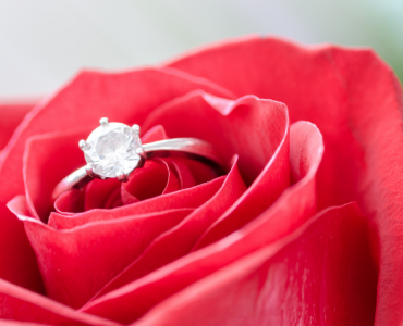 engagement diamond ring