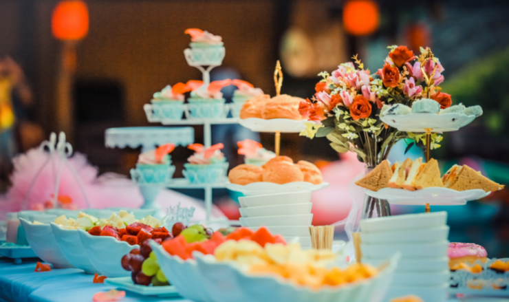 Alternatives To A Traditional Sit Down Dinner Reception Yeah Weddings