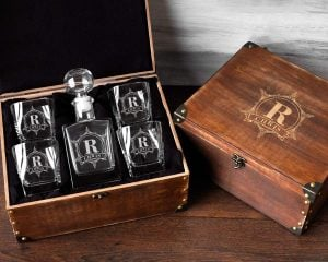 decanter and glasses in box