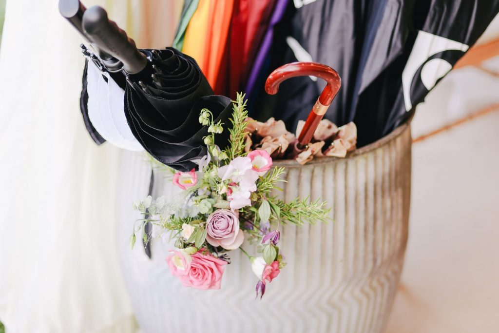 umbrellas for an outside wedding ceremony