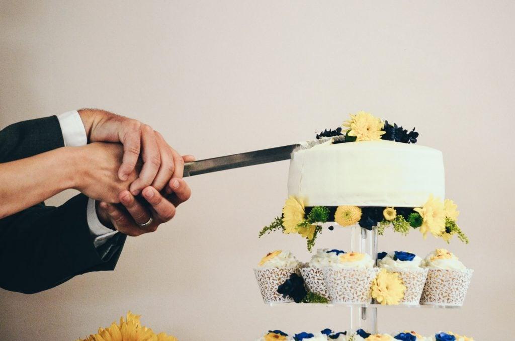 display wedding cake
