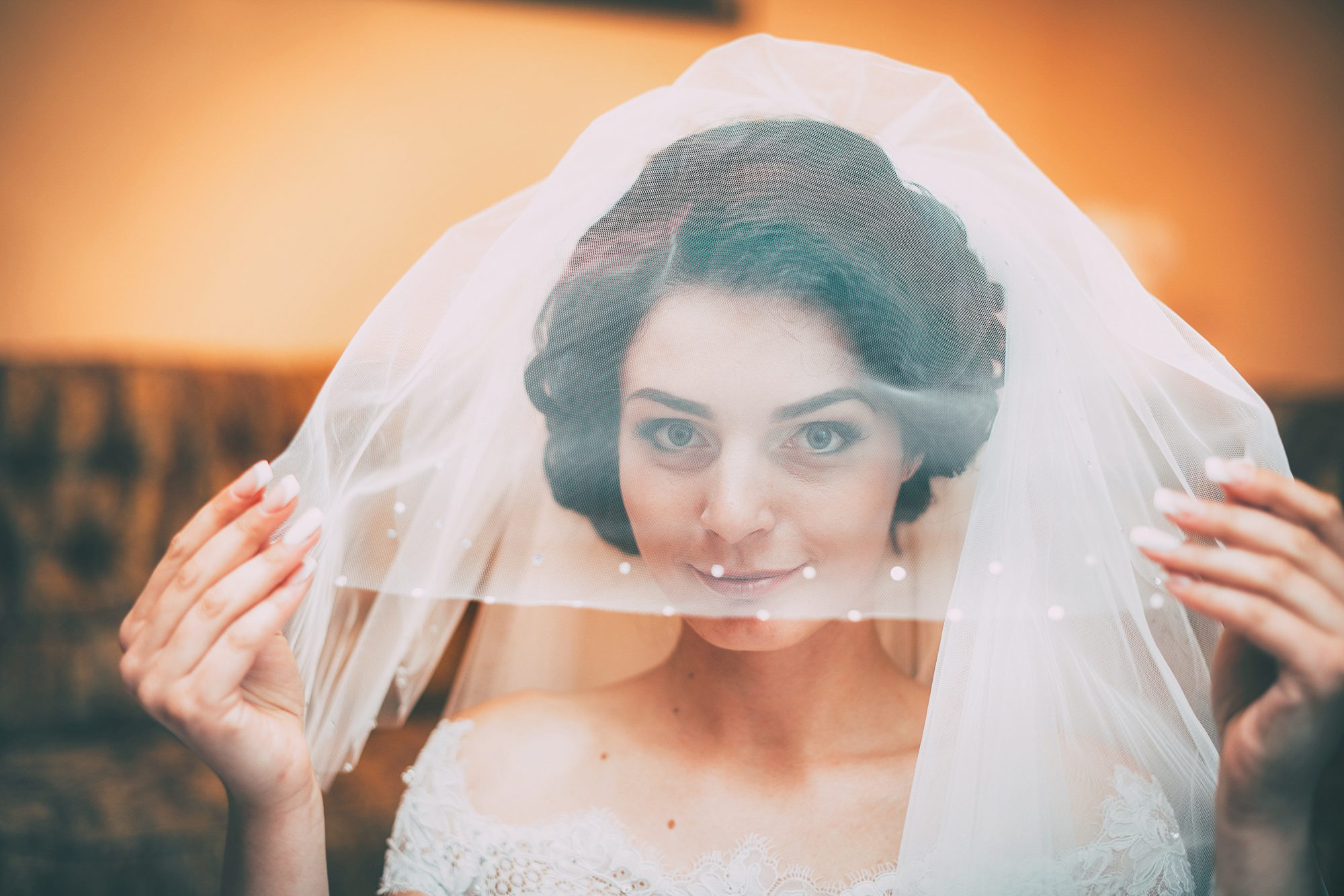 flyaway wedding veil style
