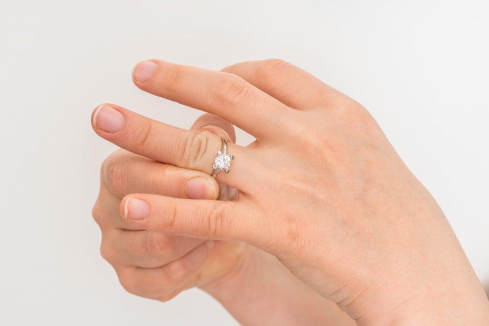 ring stuck on finger