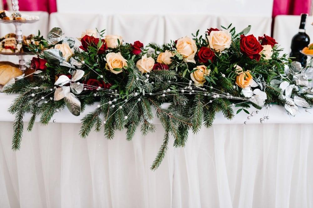 winter wedding flowers on table
