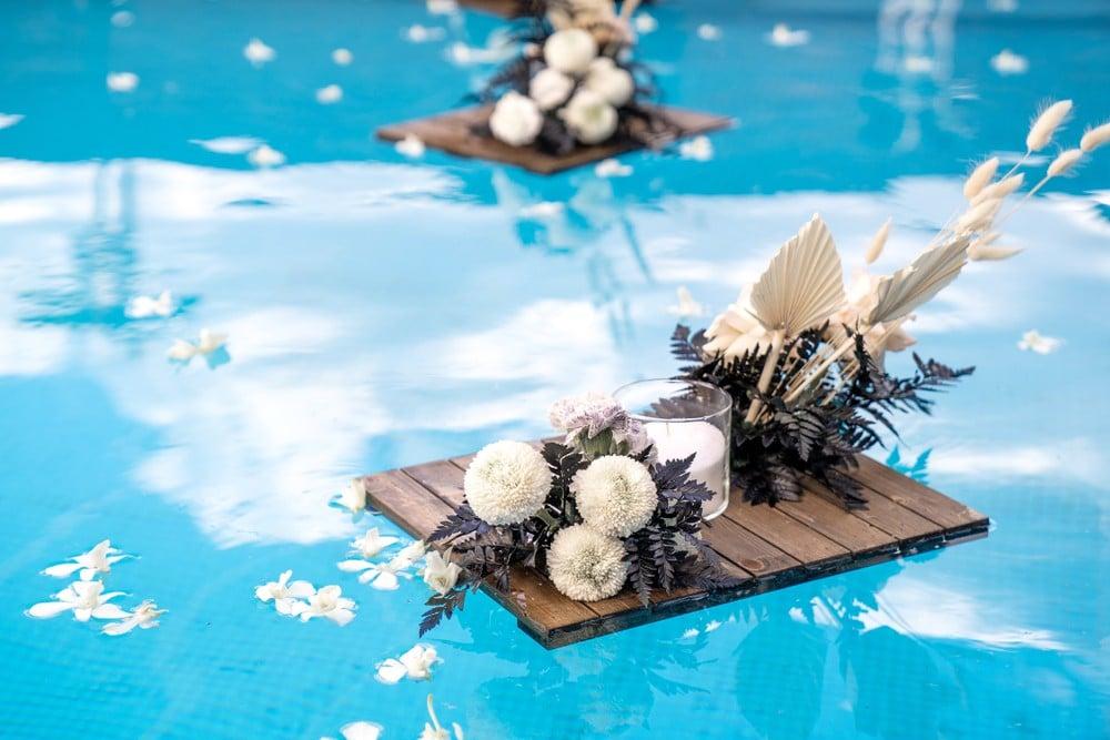 floating flower display