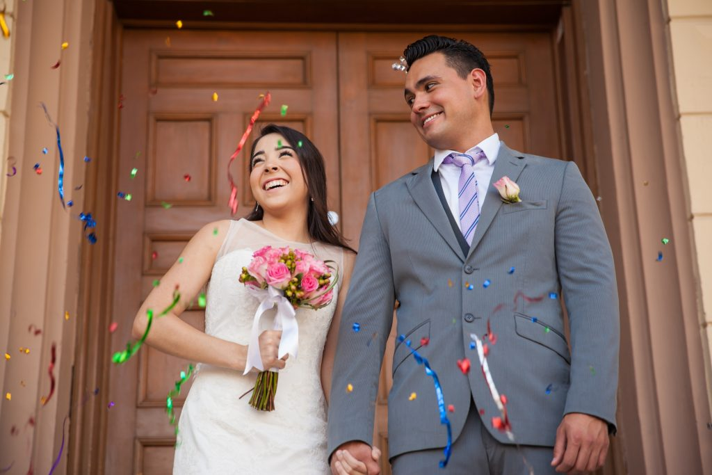 couple married at courthouse