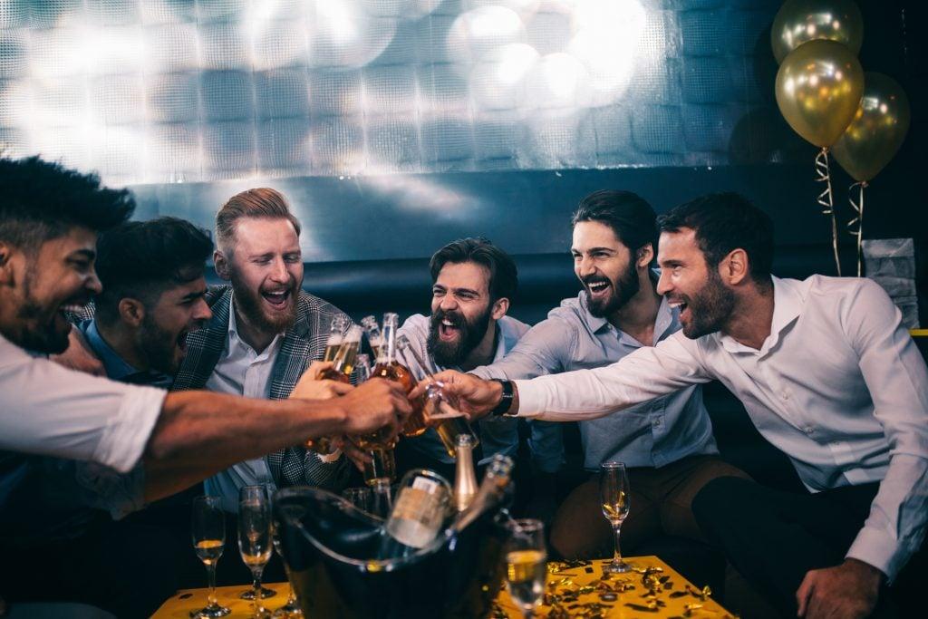groomsmen cheers