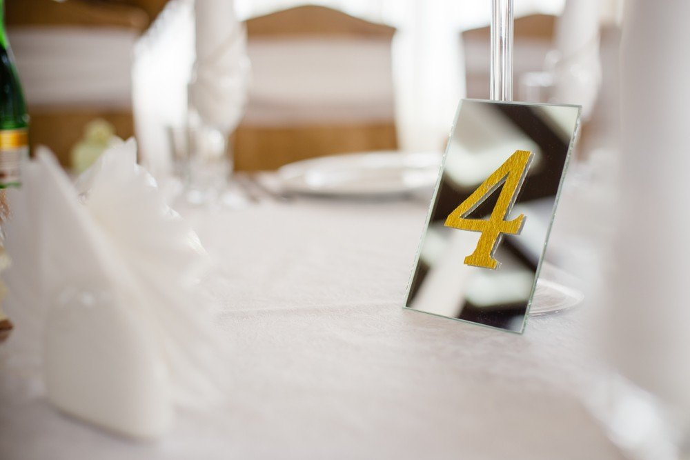 mirror table number