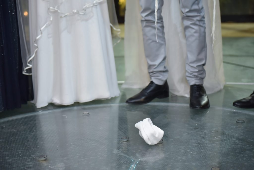 breaking glass at wedding day