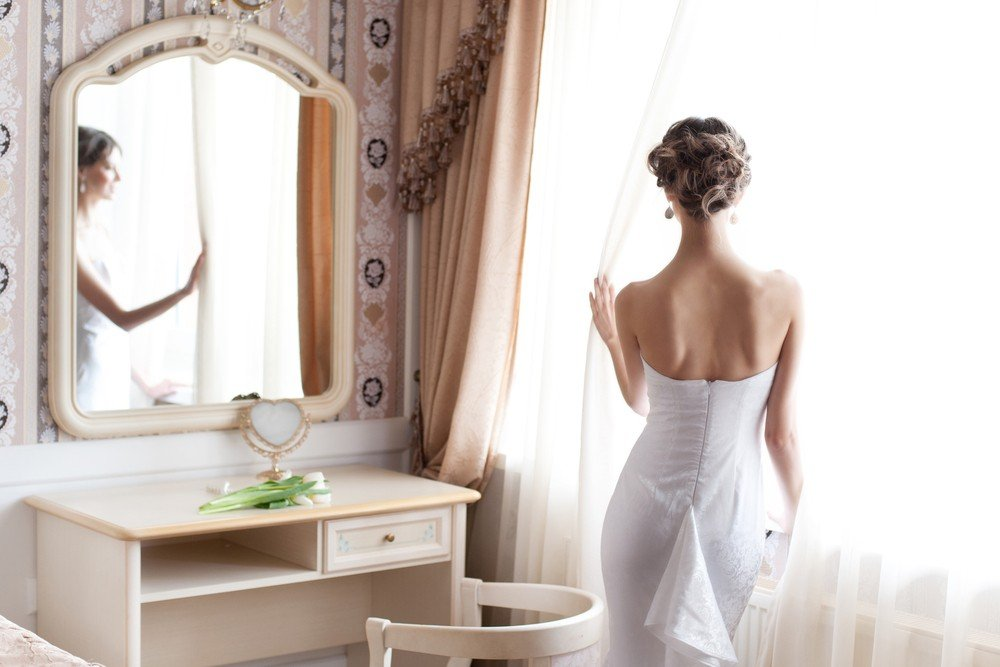wedding dress bustle
