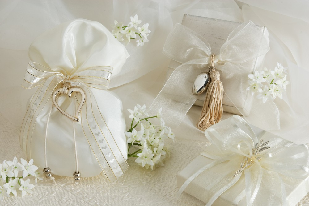 white bridal party gifts