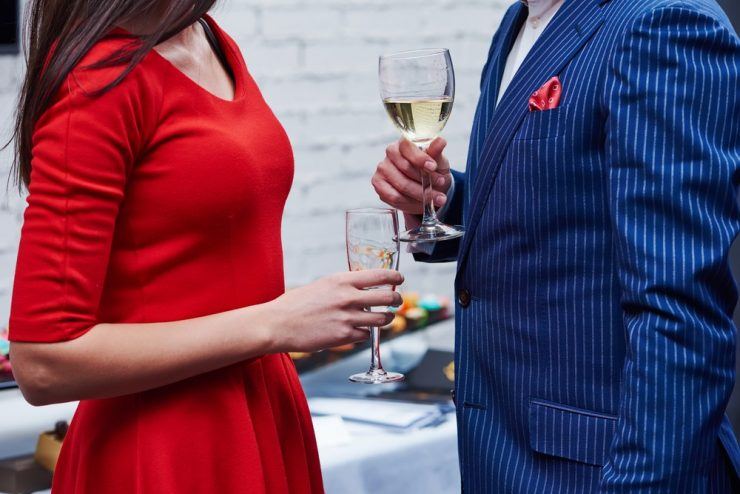 can you wear red to wedding