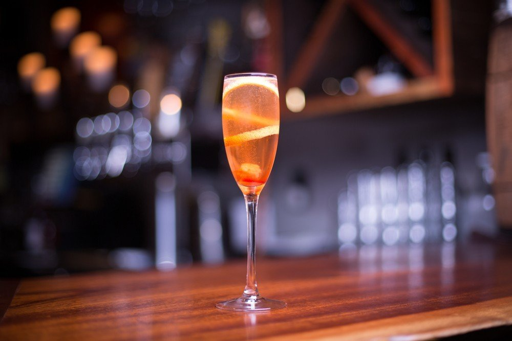 champagne wedding cocktail
