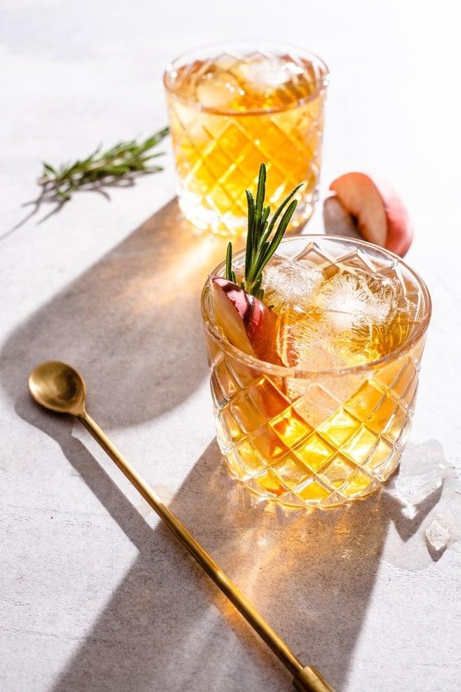 peach smash cocktail