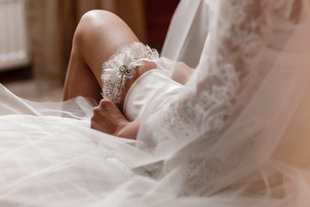 gorgeous bridal garter