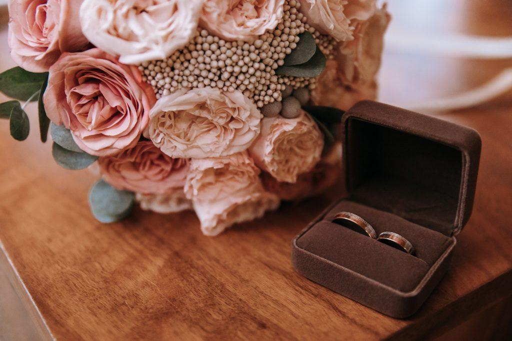 rose brown wedding colors