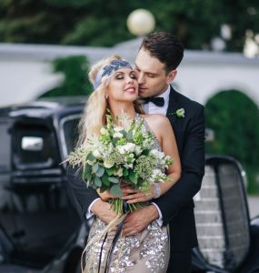 1920s themed bride and groom