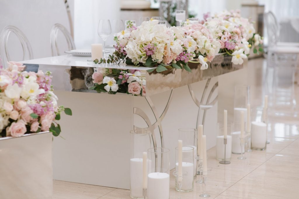 modern wedding head table
