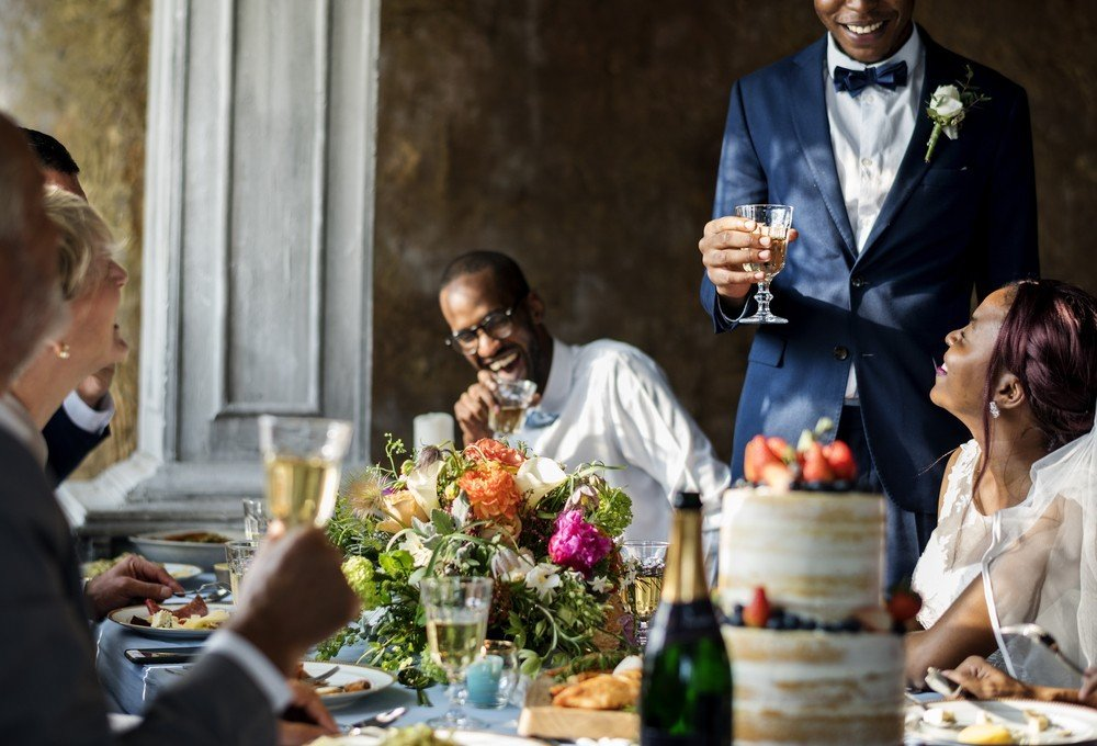 best man speaking at wedding