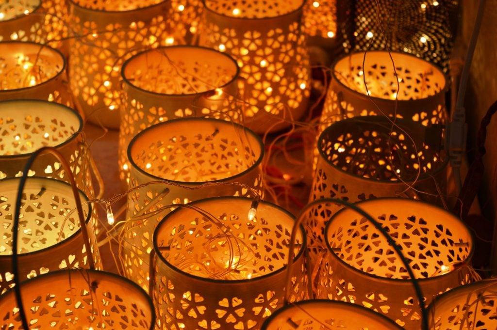 lanterns with string lights