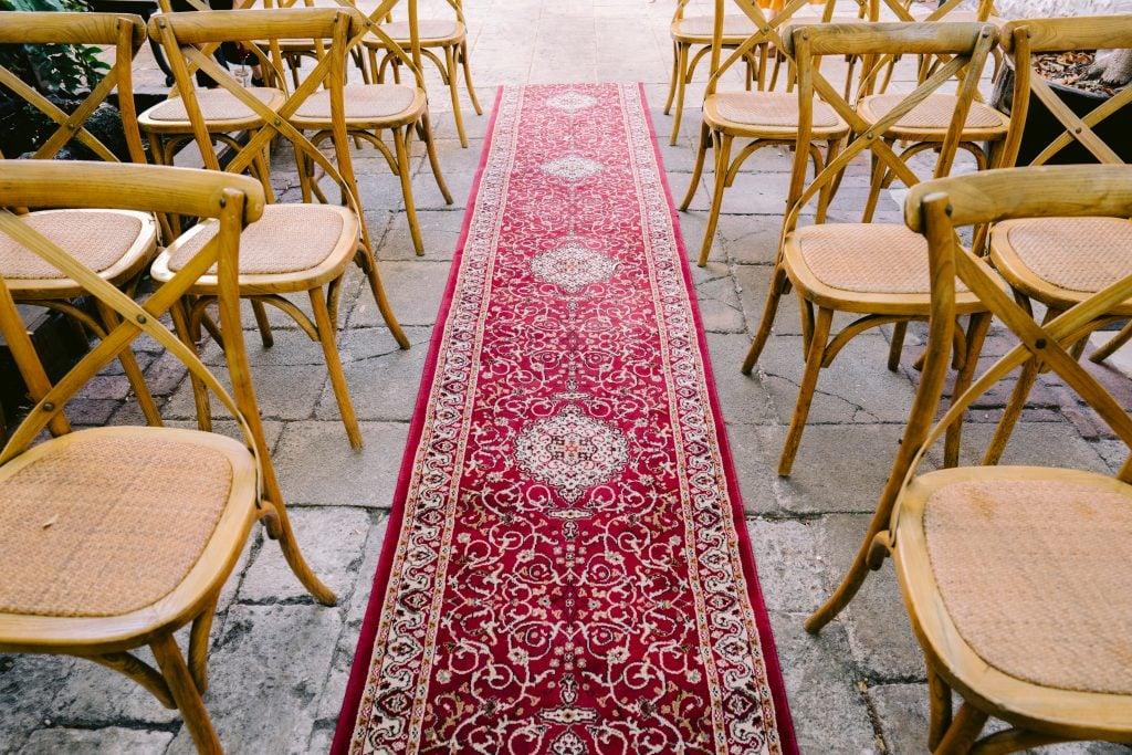 patterned rug for wedding aisle