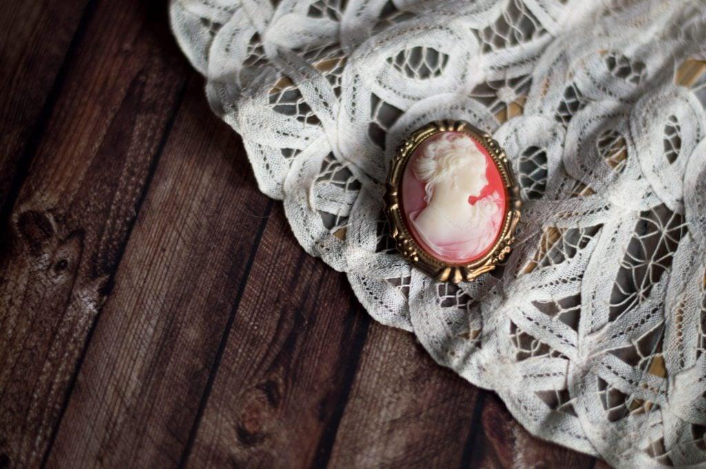 vintage brooch for wedding