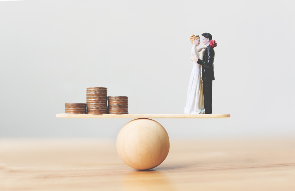 bride and groom topper with coins