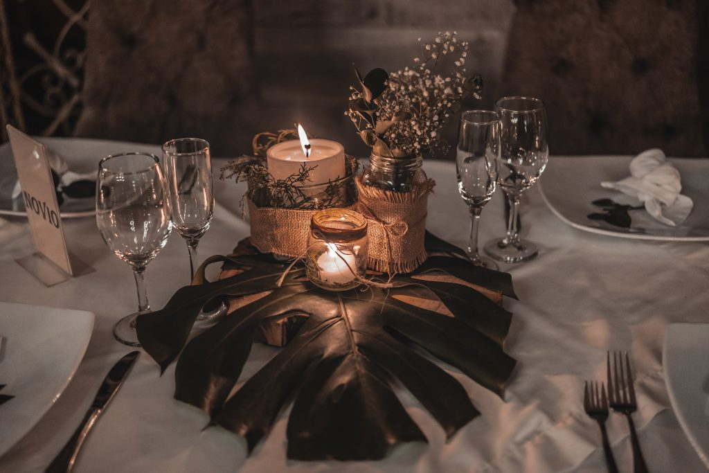 cande light at wedding reception