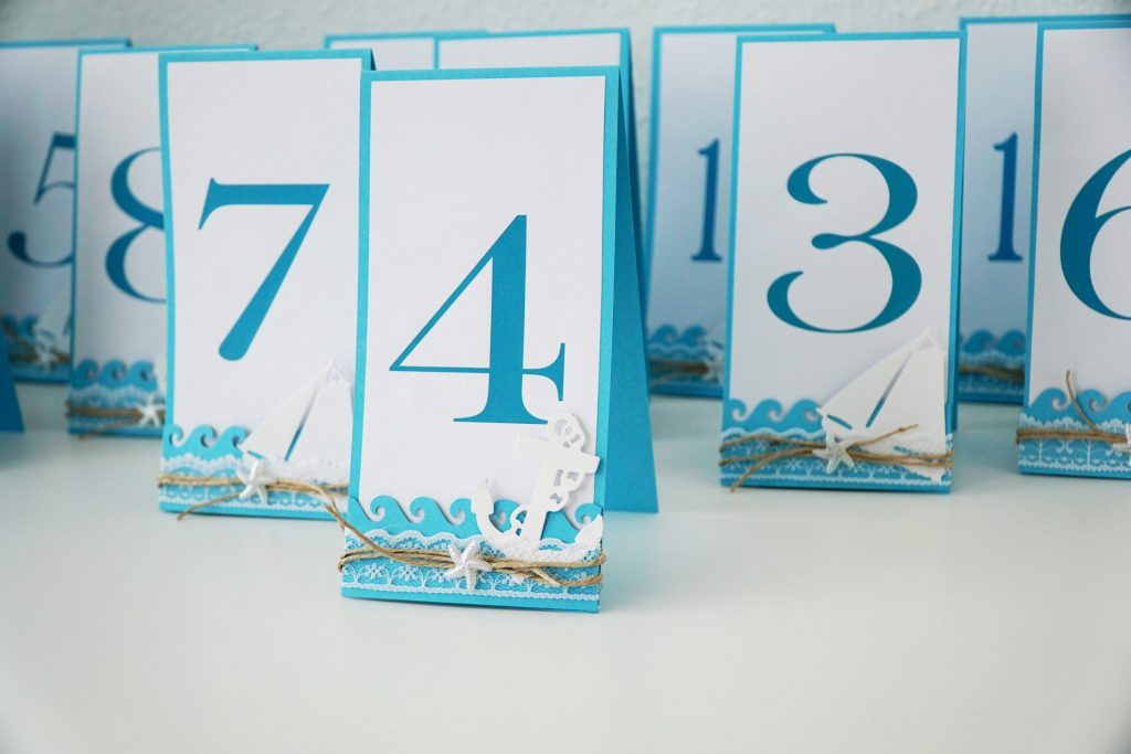 table numbers with seashells