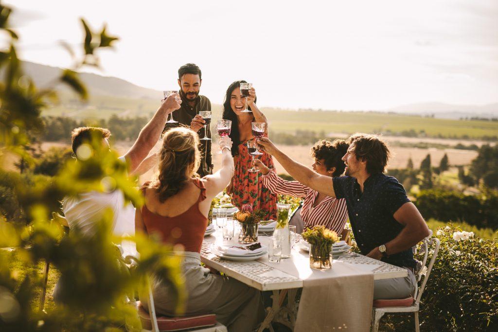 drinks at garden wedding