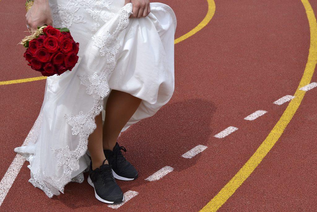wedding relay race