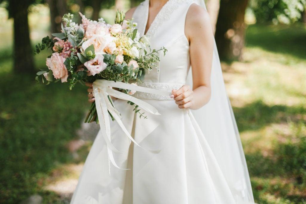 ribbon on bouquet