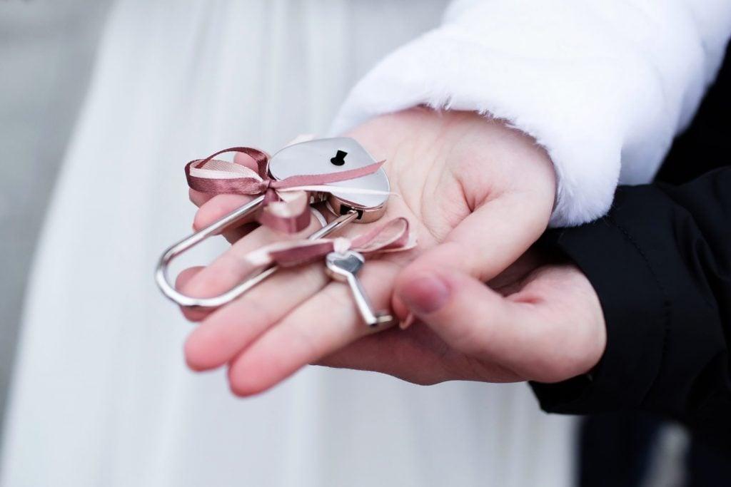 love lock wedding favors