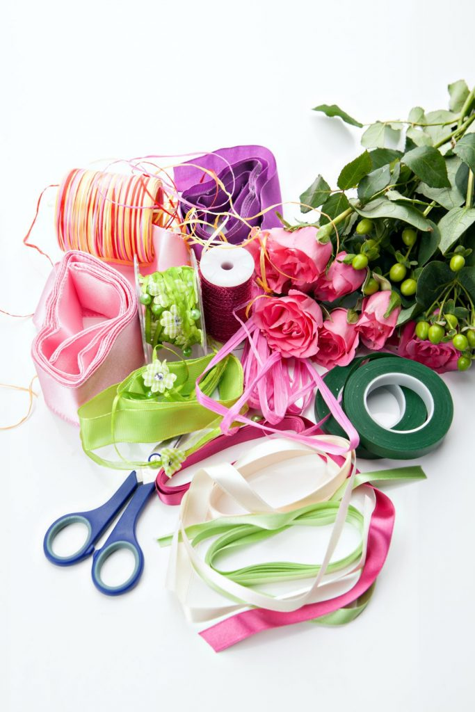 materials needed to make wedding boutonnieres