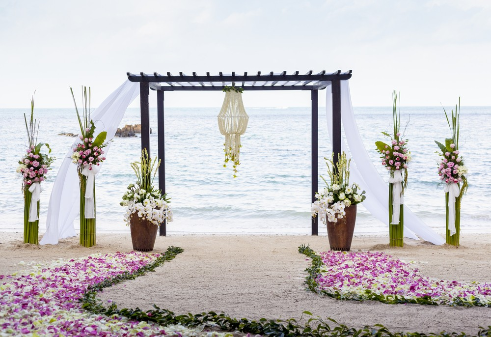 beach wedding ceremony arch
